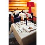 Szögletes sekély tányér 33x24 cm New Wave, Villeory & Boch